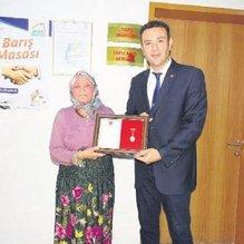 Fatma nine evini Mehmetçik'e bağışladı
