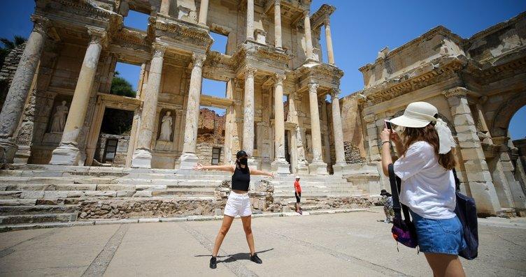 Efes Antik Kenti'ne Kovid-19 nedeniyle 650...