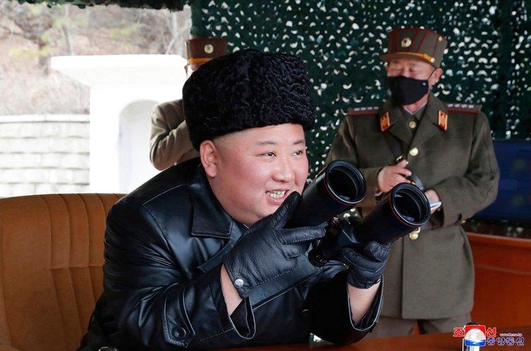 Koronavirüs tehlikesine rağmen Kim Jong-un, füze ateşlemesini böyle takip etti!