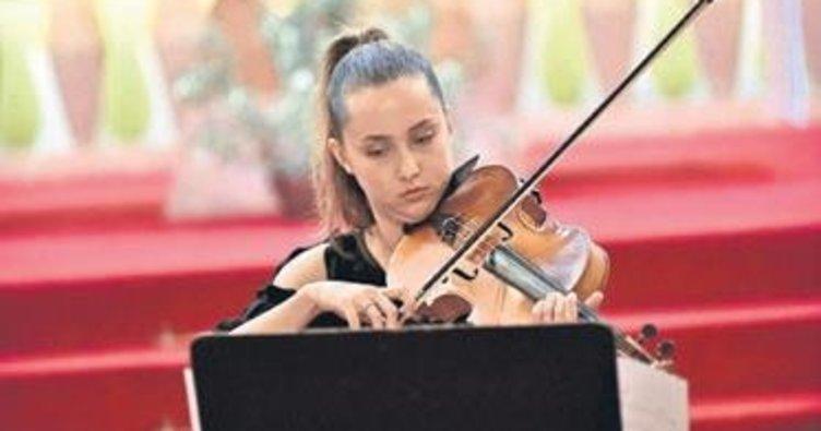 Festivalde Mutver'in eseri birinci seçildi