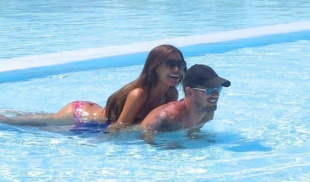 Snejder ve Yolanthe'nin aşk tatili