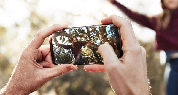 Samsung Galaxy S9+ En iyi kameraya sahip telefon seçildi!