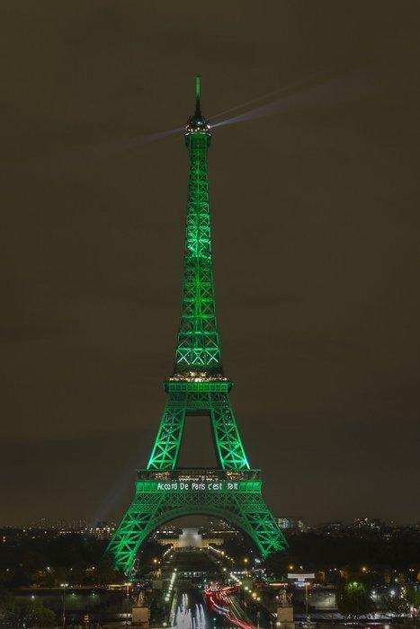 Paris yeşile büründü