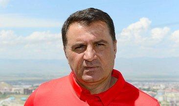 Mustafa Kaplan gençlerden memnun
