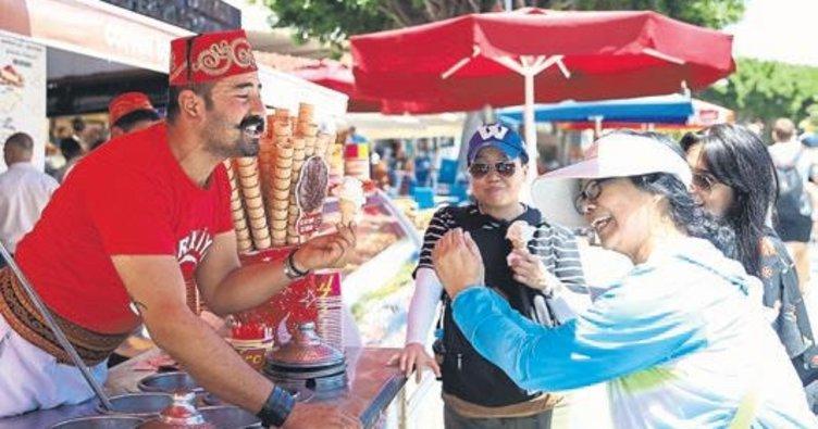 Dondurmacılardan turizme destek
