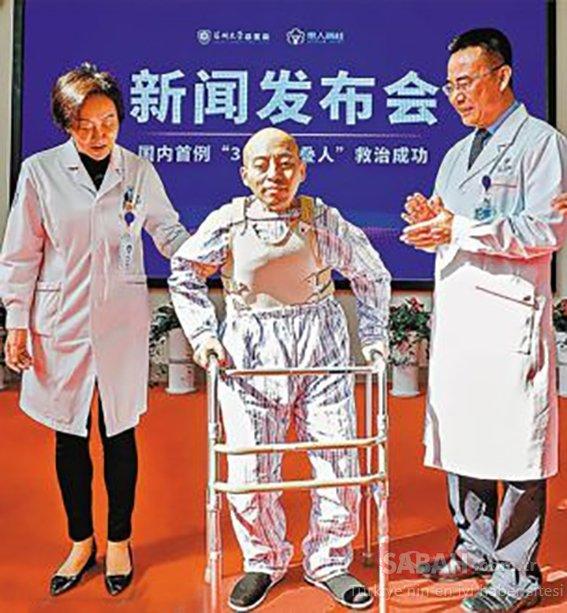 Çin'in katlanan adamı 25 yıl sonra yeniden yürüyebilecek mi?