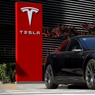 Zirvede olan Tesla seneler sonra geriye düşecek!