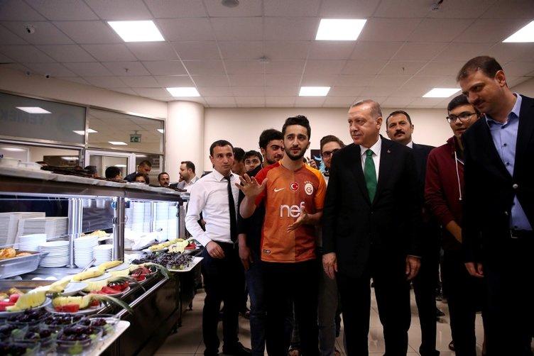 Cumhurbaşkanı Erdoğan'dan sahurda sürpriz ziyaret