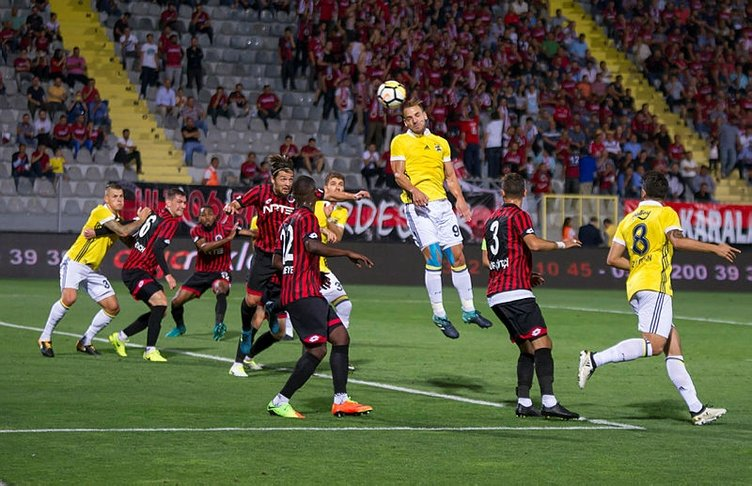 Rıdvan Dilmen: Penaltı ve k��rmızı kart kararı doğru