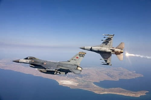 Türk savaş pilotları işbaşında