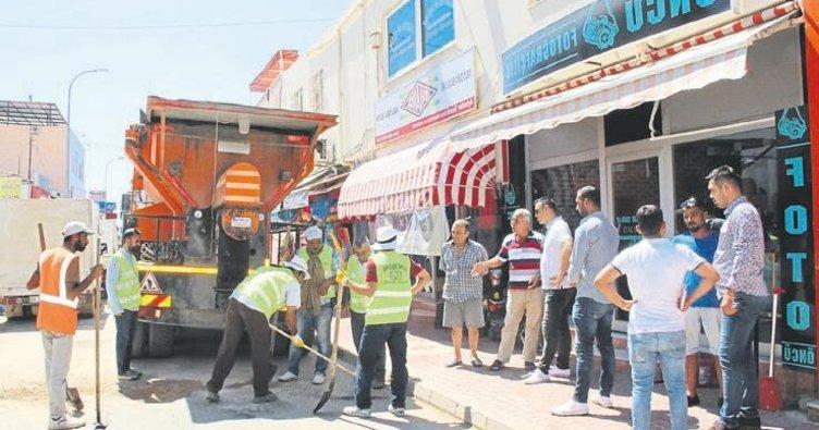 Taşucu'nda yol bakım çalışmaları sürüyor