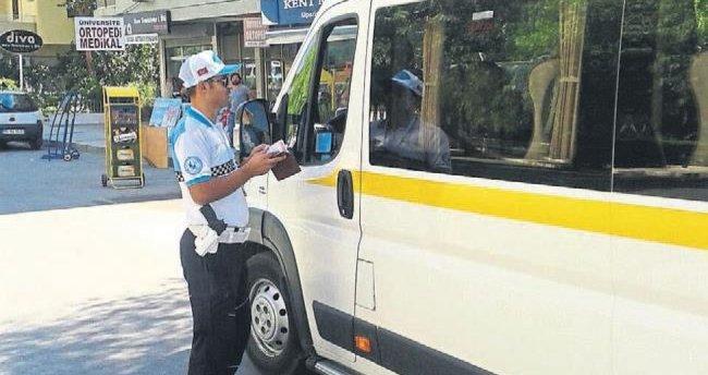 İzmir'de ilk hafta 129 servis aracı ceza aldı