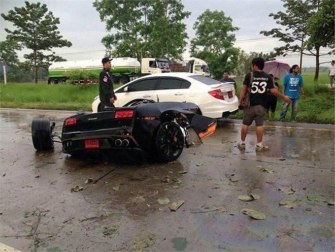Lamborghini 2'ye bölündü!
