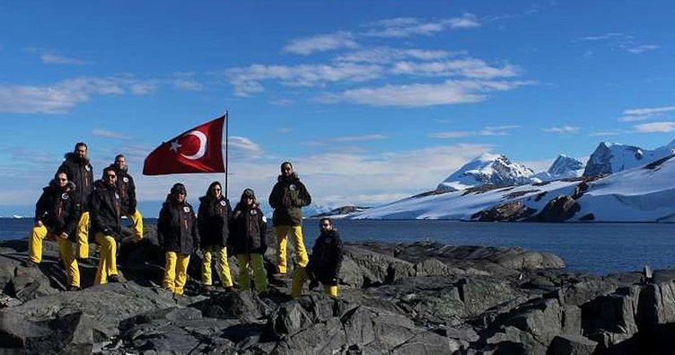 Türk Antarktik Seferi Ekibi ile ilgili görsel sonucu