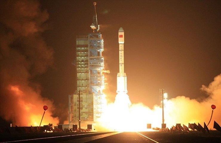 Çin yeni iletişim uydusunu fırlattı