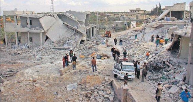 Halep'e yine bomba yağıyor
