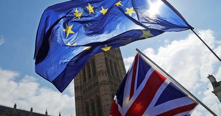 Brexit'e ilişkin belirsizliklerin artması İngiltere'nin büyümesini baskılar