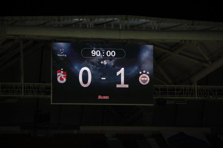 Son dakika: Mesut Özil'den Erol Bulut'a şok tepki! Kenara kendiğinde...