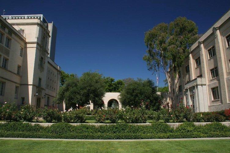 1- California Institute of Technology