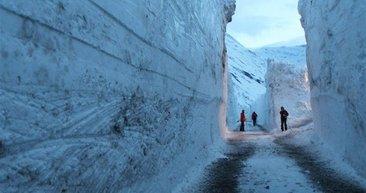 7 metrelik bir kar duvarı!