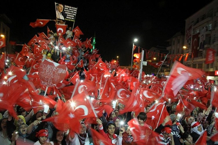 Demokrasi Nöbeti son gününde meydanlar doldu