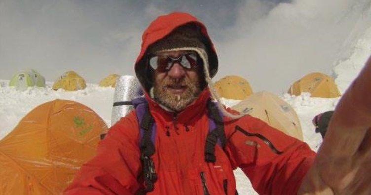 Kanser hastası Everest'e tırmandı