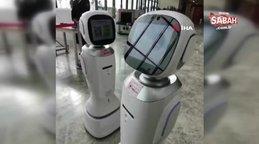 Çin'de iki robotun tartıştığı anlar sosyal medyada olay oldu   Video