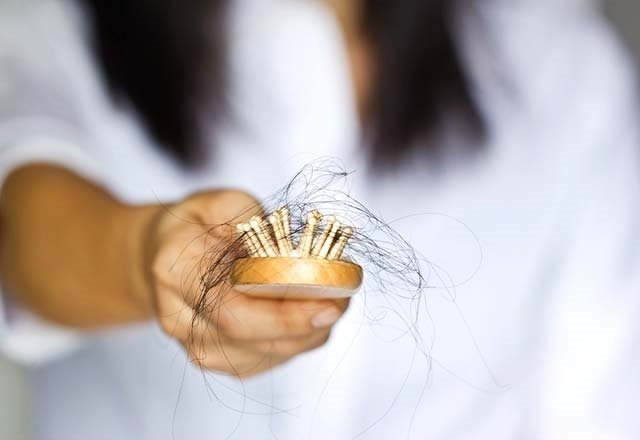 Saç ve kaş nezlesi neden olur?