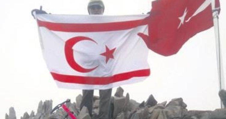 Şehitler için Erciyes zirvesi'ne tırmandılar