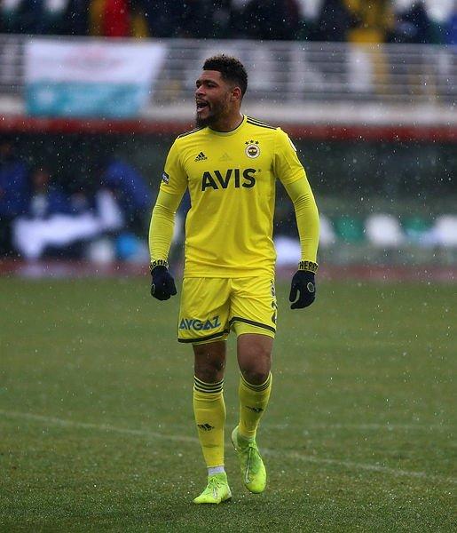 Fenerbahçe'nin gözdesi Juan Jesus sezon sonu geliyor