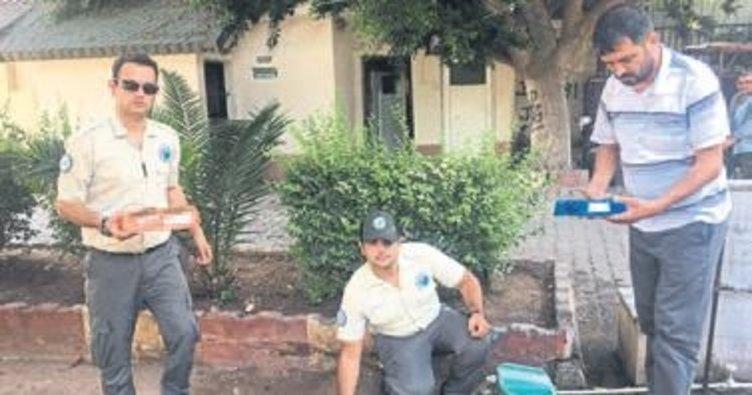 Sokak hayvanlarına su ve yem bırakıldı