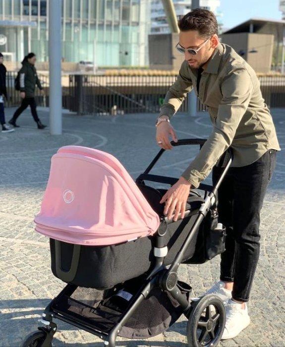 Boşanmanın eşiğinden dönen Hakan Çalhanoğlu, eşi ve kızıyla tatile çıktı