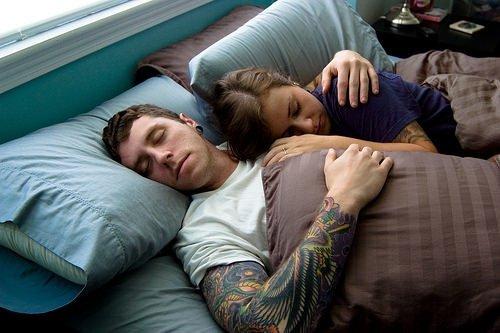 Birlikte uyuyan çiftler dikkat!