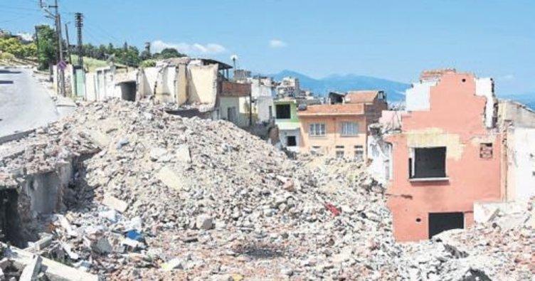 Kadifekale'de yıkım başladı