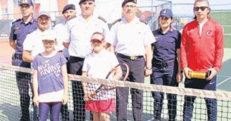 Burdur'da tenis heyecanı