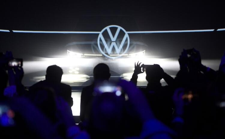 Yeni Volkswagen Golf 8 tanıtıldı!