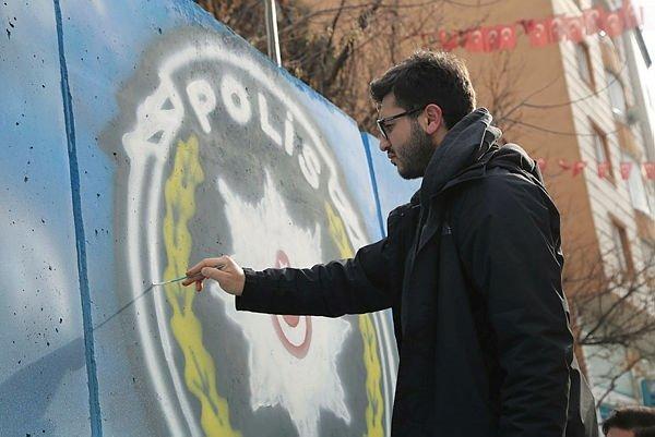 Siirt'te güvenlik duvarları renkli motiflerle süsleniyor