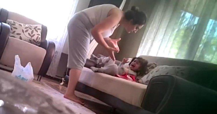 Anne dehşeti kamerada ortaya çıktı!