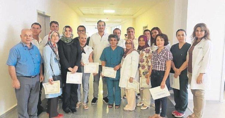 Sağlık personeline başarı belgesi verildi