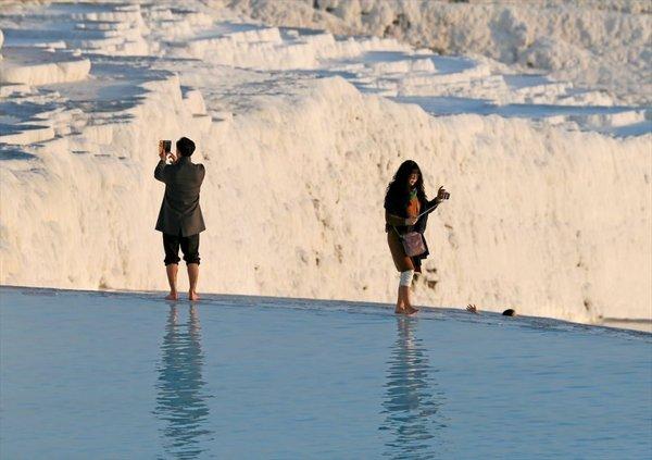 'Beyaz cennet'in antik havuzunda kaplıca keyfi