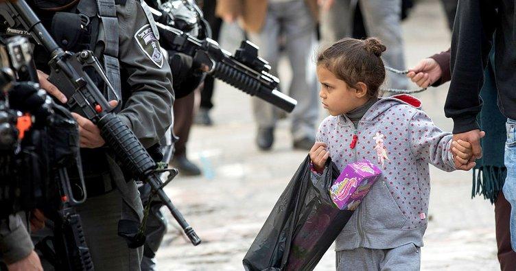"""Filistinli çocuktan İsrail ordusuna İbranice mesaj """"Sizin merhametiniz yok"""