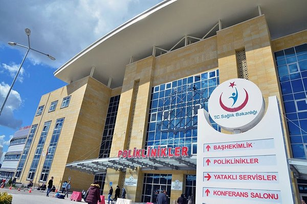 Erol Olçok eğitim ve araştırma hastanesi günlük 10 bin kişiye hizmet veriyor