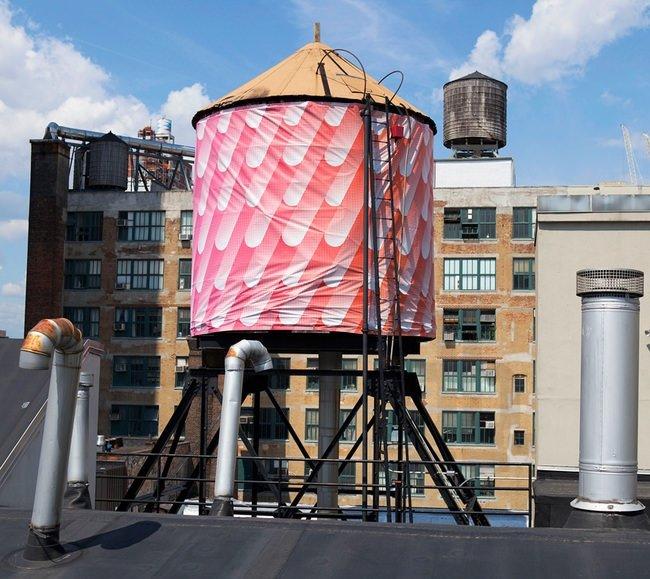 Sanatçılar New York silüetine dokundu