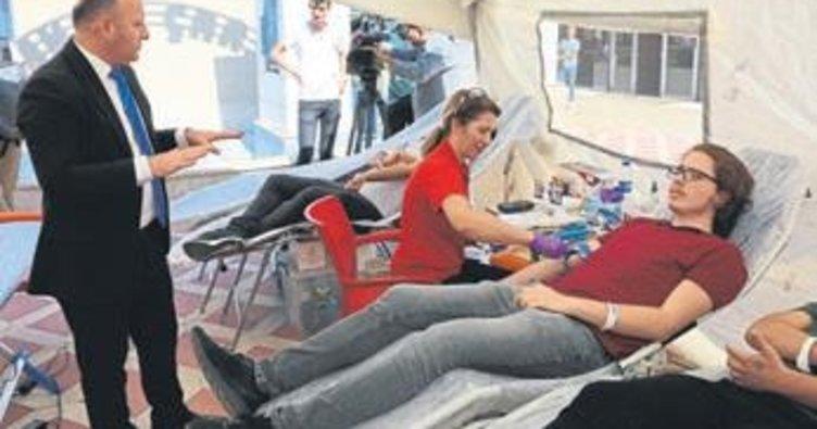 Üniversitede kan bağışına davet