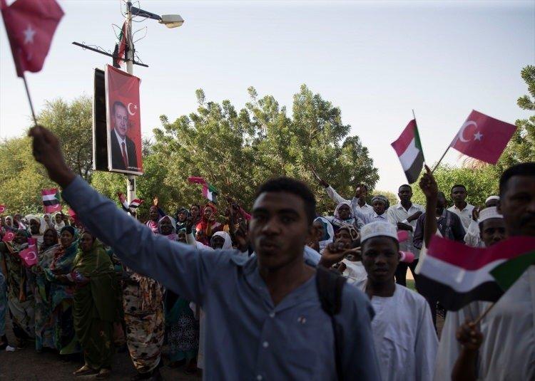 Cumhurbaşkanı Erdoğan'a Sudan'da ilginç hediye