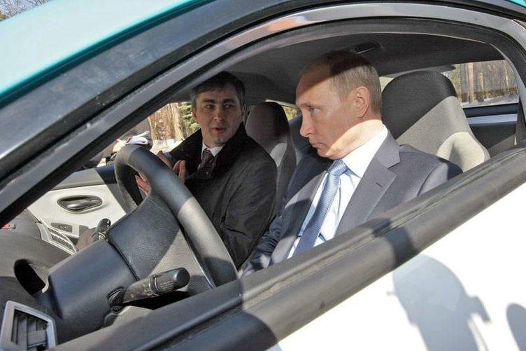 Putin ilk hibrit aracı kullandı
