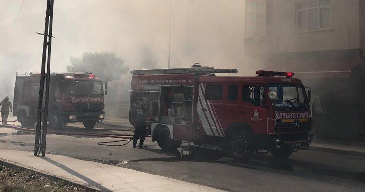 Pendik'te iş yerinde yangın
