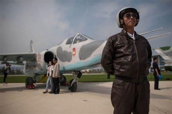 Kuzey Kore'deki havacılık festivalinde ABD helikopteri