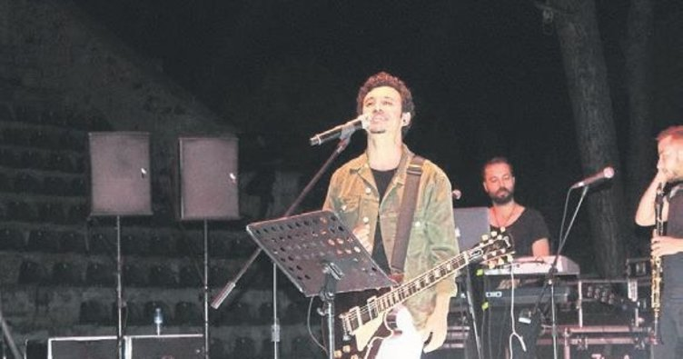 Popçu Buray'dan Ayvalık'ta konser