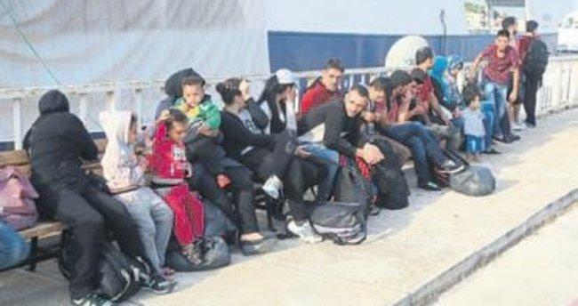 Çeşme'de 73 kaçak daha yakalandı
